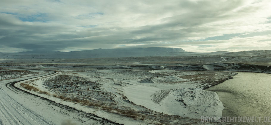 Iceland,winter,landscape,snow,mountain,west,street