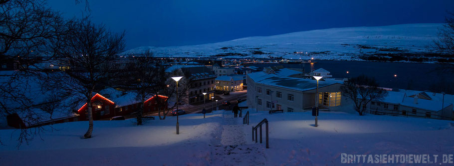 Akureyri,iceland,tipps,mountains,car,winter,february,north,ice,snow,night,lights