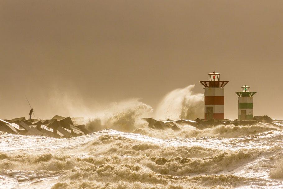 Scheveningen, Den Haag, Niederlande, Leuchtturm, hohe, Wellen, Mann, Angler, Gischt, GEO