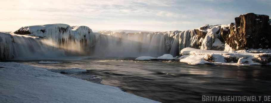 Godafoss,waterfall,iceland,tipps,car,winter,february,north,ice,snow,panorama