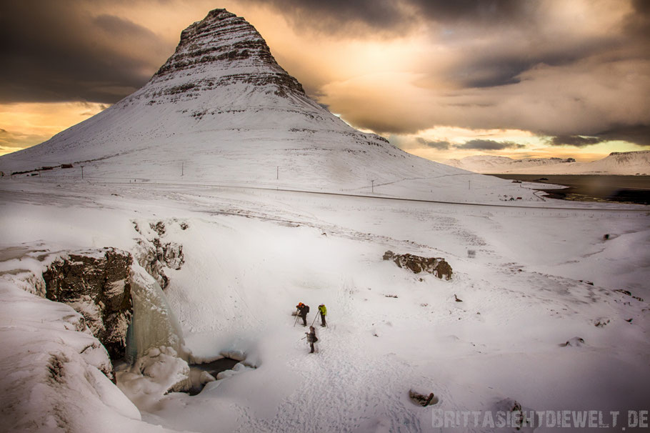 kirkjufell,grundarfjördur,berg,snaefellsnes,island,iceland,winter,february,west,car,snow,tipps,waterfall