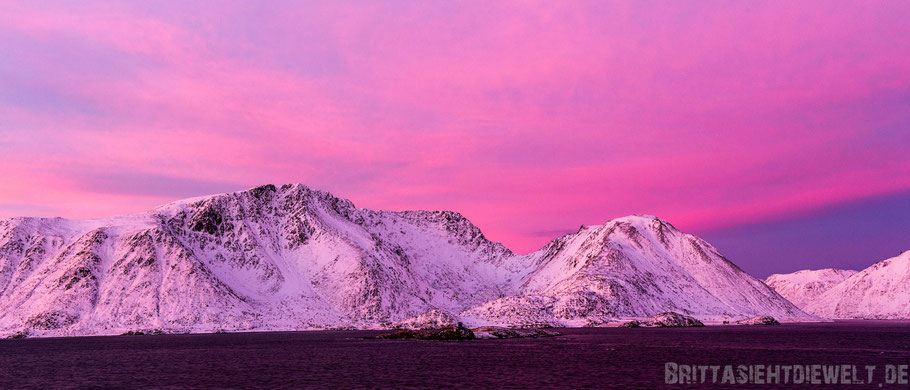 Tipp,Panorama,Sørøya,Hurtigruten,sundown,sonnenuntergang,MS,Midnatsol,pink,November,Winter