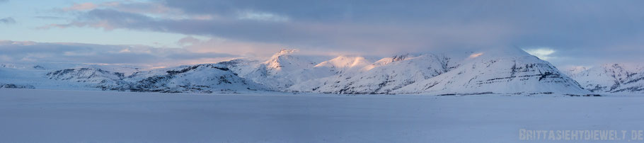 Panorama,Gebirge,Berge,Gletscher,Vatnajökull,Island,Winter,Februar,Schnee.
