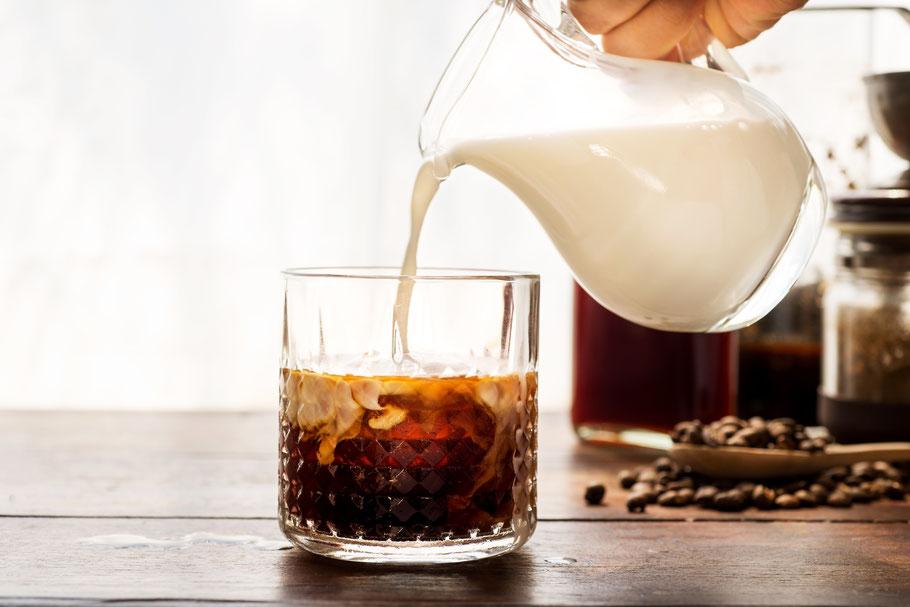 Cold Brew Kaffee mit Milch