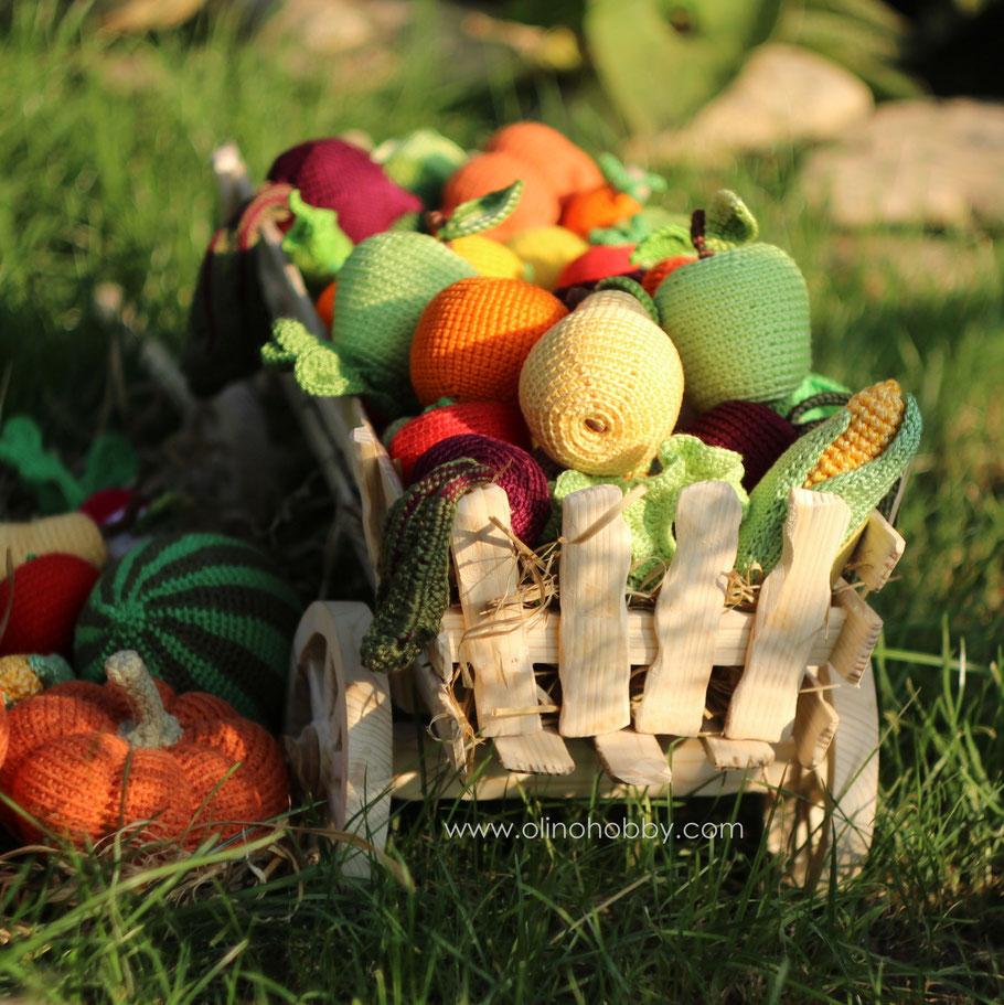 Телега с вязаными фруктами и овощами OlinoHobby. Dray with crochet fruits and vegetables by OlinoHobby.