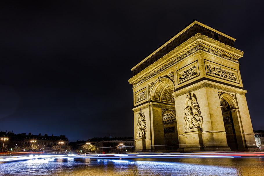 Paris - Arc de Triomphe bei Nacht