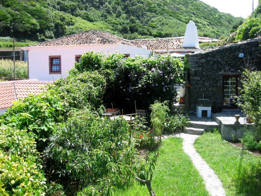 O Palheiro (on the right) in its private garden