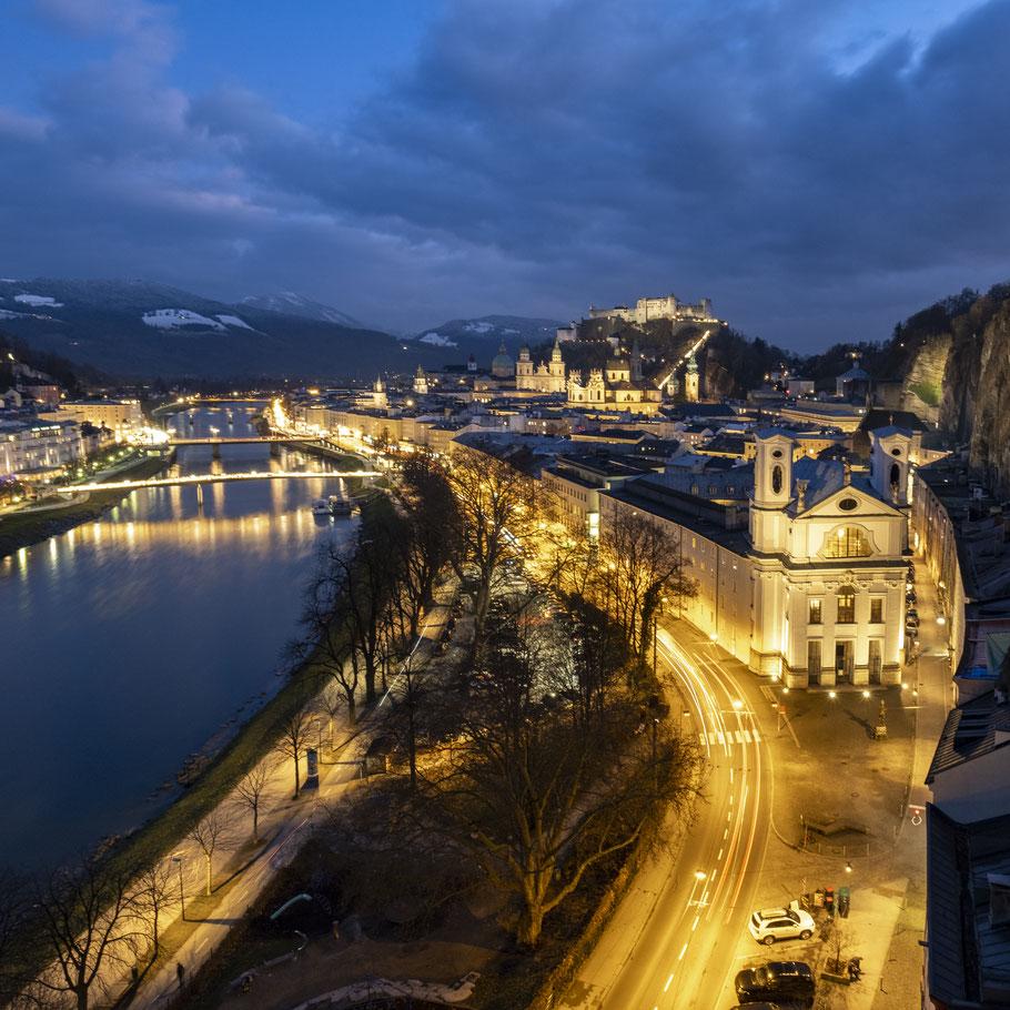 Abendlicher Ausblick auf die Altstadt von Salzburg