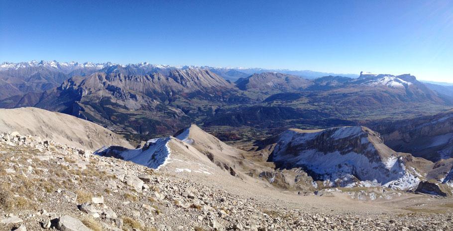 Panorama depuis La Tête de l'Aupet - Dévoluy (05)