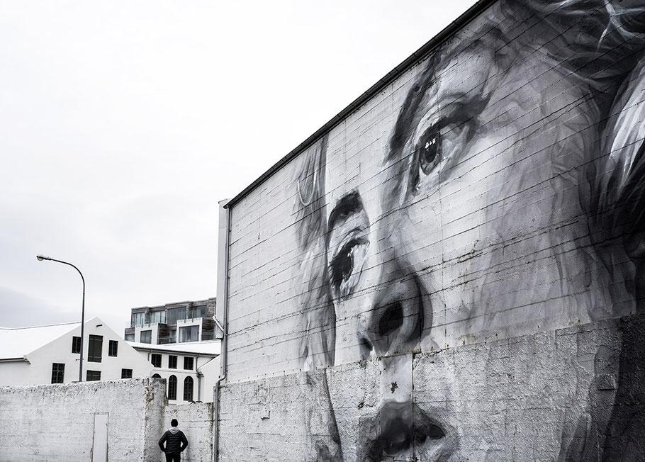 Straßenkunst in Reykjavik als Farb-Photographie, Island/Iceland