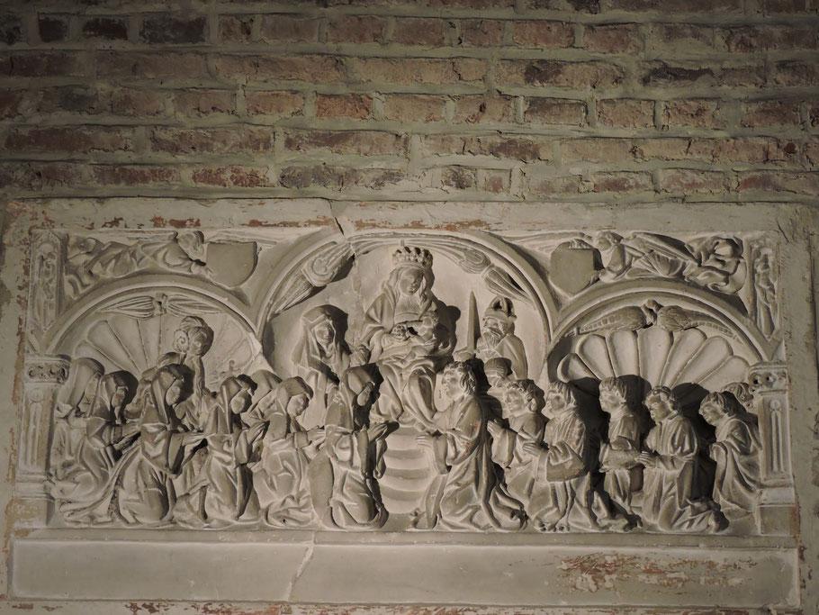 Houplin-Ancoisne : Bas-relief / Vierge en Majesté (XVe-XVIe siècle), église St Martin - Classé à l'inventaire le 24 Novembre 1906, puis mis à l'inventaire supplémentaire le 30 Juin 1978.