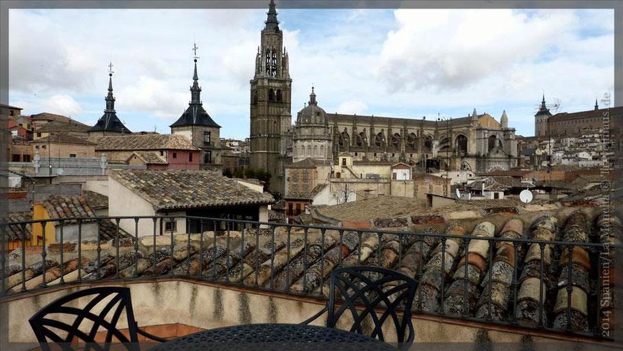 """Unser Blick auf die Kathedrale von Toledo vom Hotel """"Isabel"""" aus."""