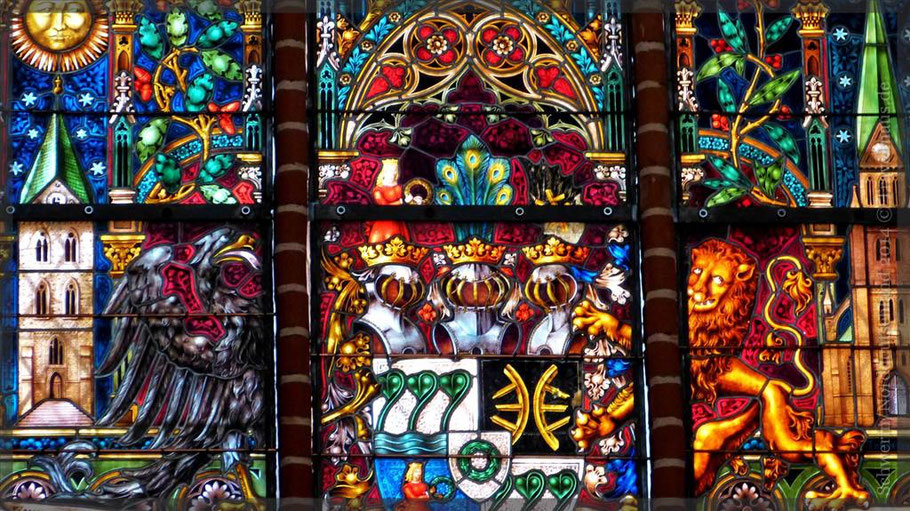 Fensterbild im Dom von Schwerin
