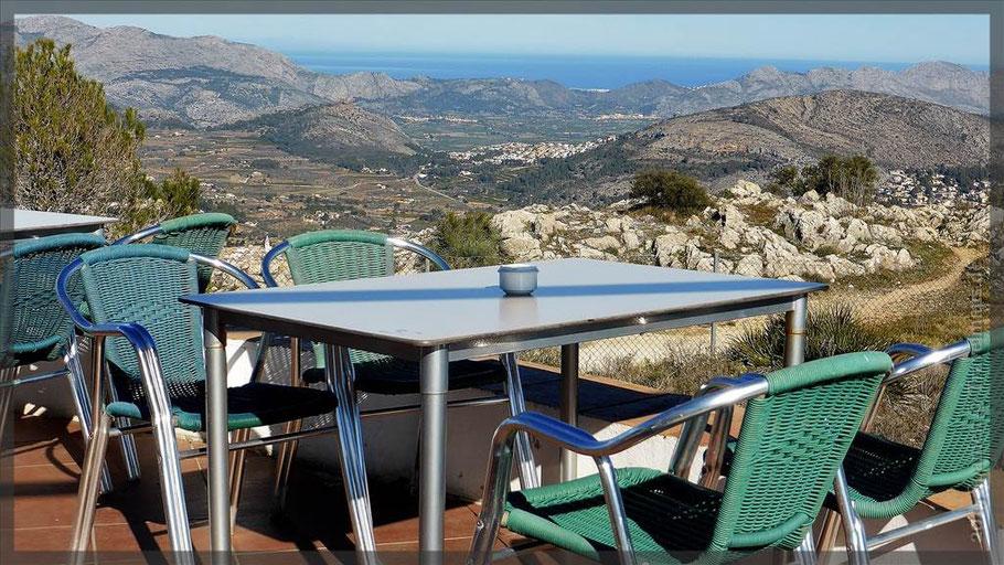 Blick vom Coll de Rates bis zum Mittelmeer N 38.72361° W00.05960°