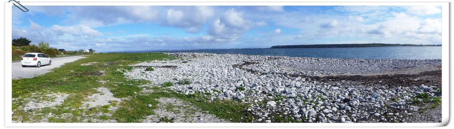 Flaggy Shore- mit Blick auf  den Burren NP im Hintergrund