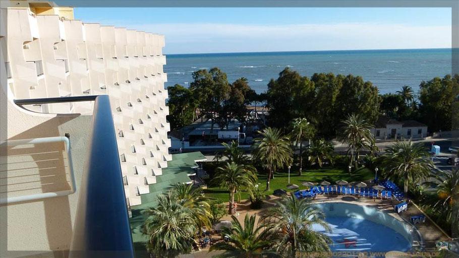 Blick vom Portdenia-Hotel aus aufs Mittelmeer