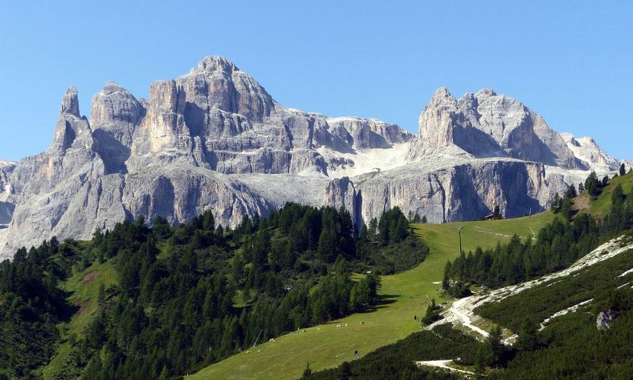 Blick vom Edelweißtal auf die Cima Pisciadù, 2985 M, das Valun di Pisciadù und die Sas dai Ciamorces, 2999 M