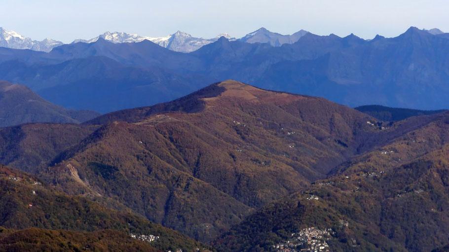 Blick vom Mottarone auf den Monte Spalavera - 1534 M