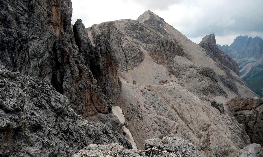 Blick aus der Südwestwand des Kesselkogel auf die Cima Scalieret, 2889 M