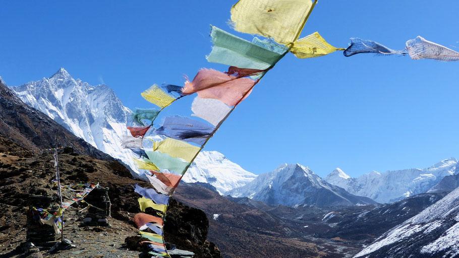 Im Aufstieg zum Gipfel des Nangkartshang Peak im Khumbu-Himal - Lhotse 8516 M und Island Peak 6189 M