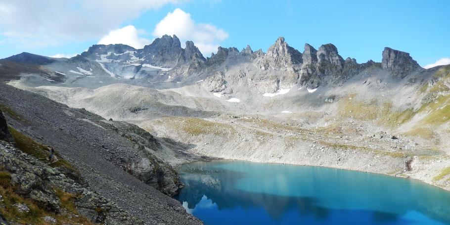 Wildsee vor Pizol-Bergkette