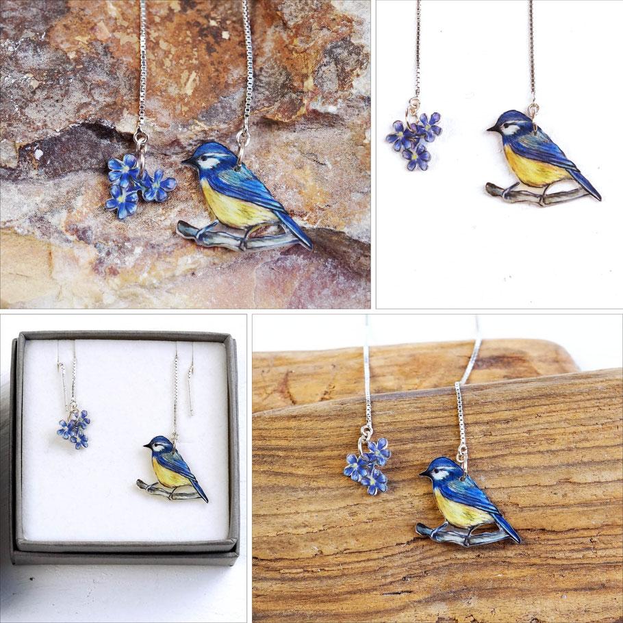 Ohrketten aus 925er Silber mit gezeichneter Blaumeise und Vergissmeinnicht-Blüten