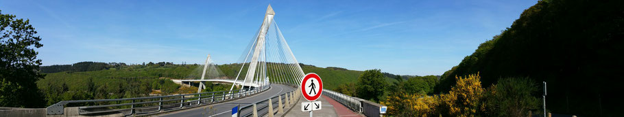 Rosnoën : le pont de Térénez sur l'Aulne (3). © Christophe Pluchon