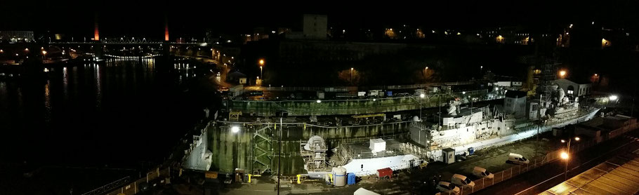 Brest : le pont de Recouvrance et la Penfeld de nuit, depuis les Capucins. © Christophe Pluchon