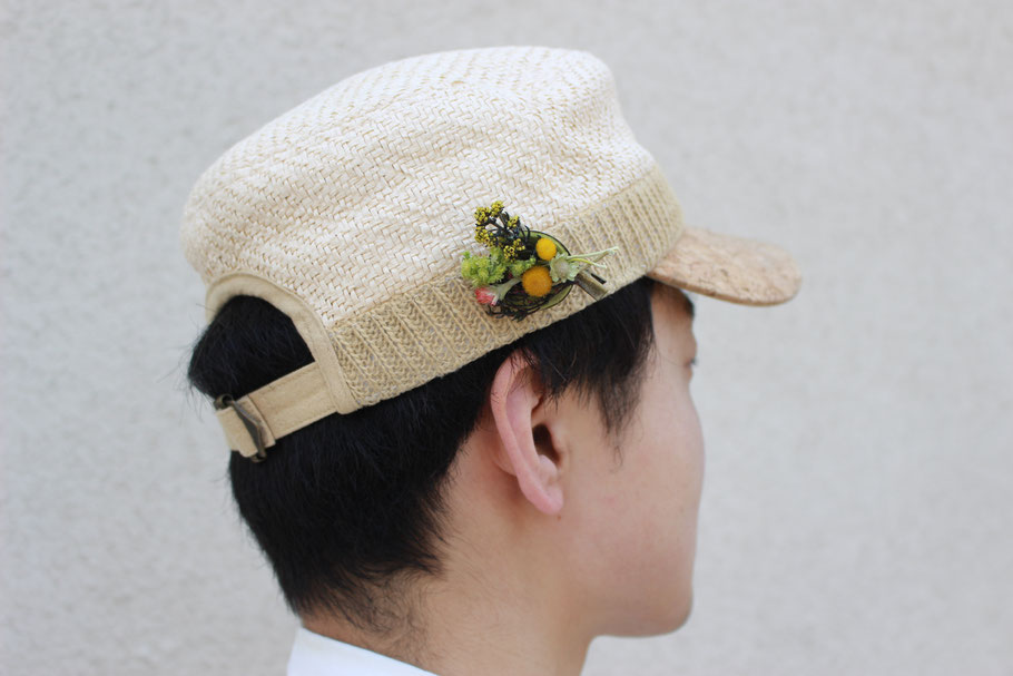 ドライフラワーのブローチ 帽子