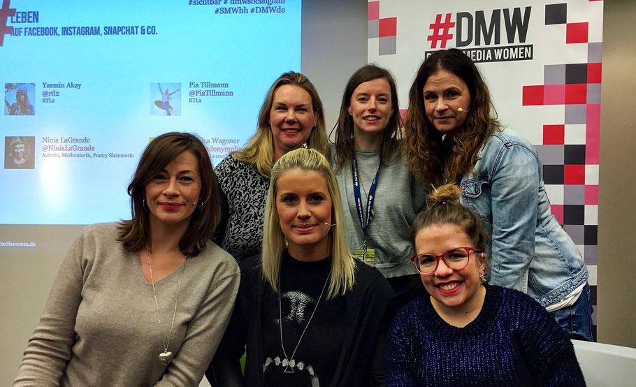 Jessica Wagener, Christiane Brandes-Visbeck, Pia Tillmann, Jeanne Charlotte Vogt, Yasmin Akay (hinten) und Ninia LaGrande (Foto: Bianca-Maria Rathay)