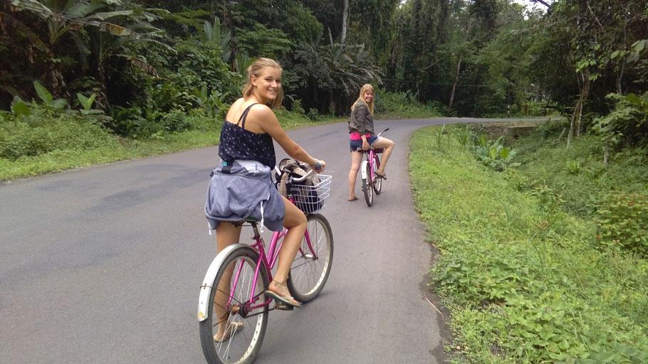 Mit dem Fahrrad nach Manzanillo (in Puerto Viejo) Übersetzt alter Hafen