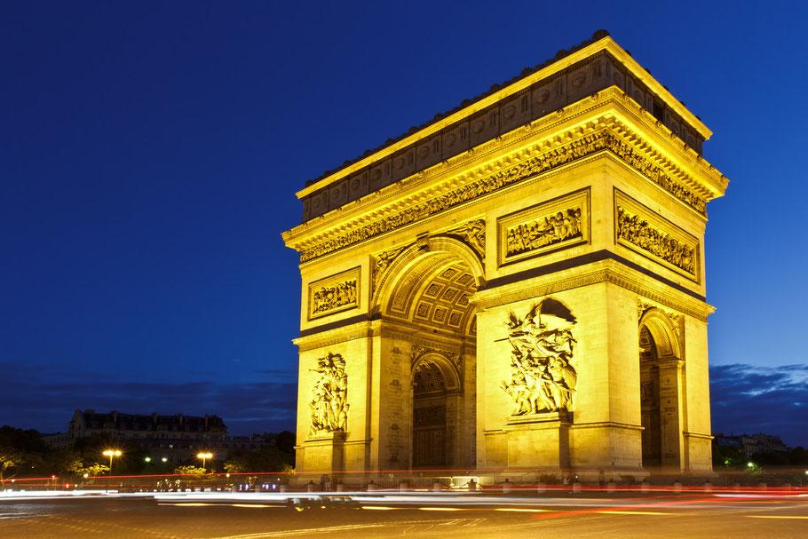 Arc de Triomphe / Paris