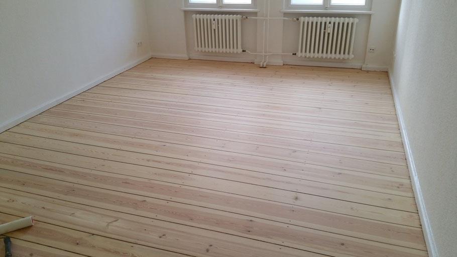 dielen schleifen und lackieren berlin wedding dielen. Black Bedroom Furniture Sets. Home Design Ideas
