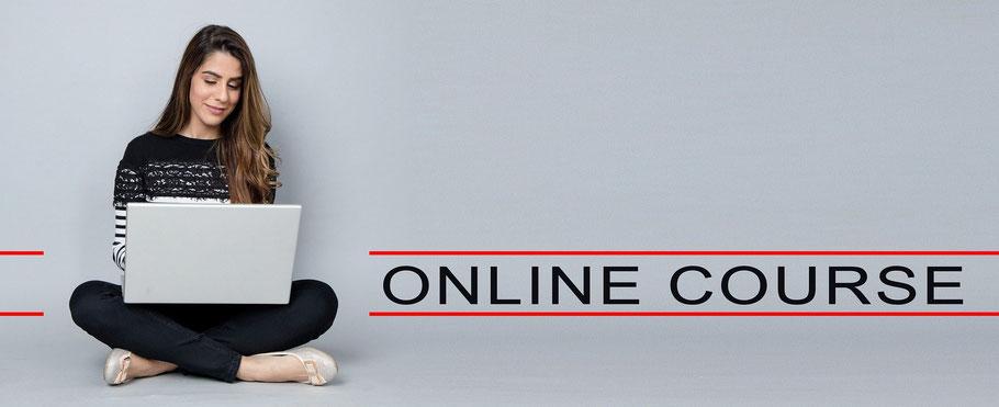 junge Frau mit Laptop, Online-Kurs, (c) Avtar Kamani, Pixabay-Lizenz 2020