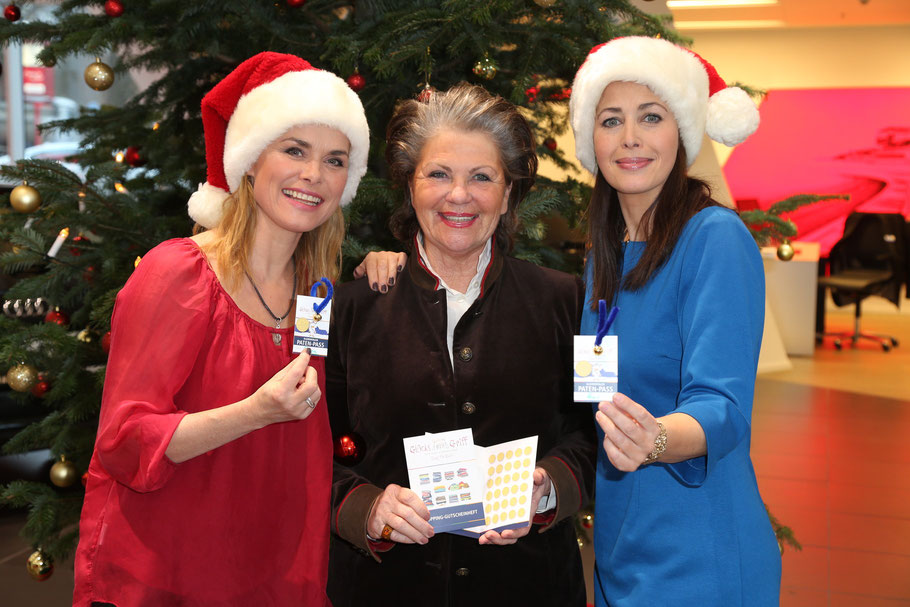 Andrea Lüdke mit Hannelore Lay, Gründerin der Stiftung Kinderjahre, und Annika de Buhr