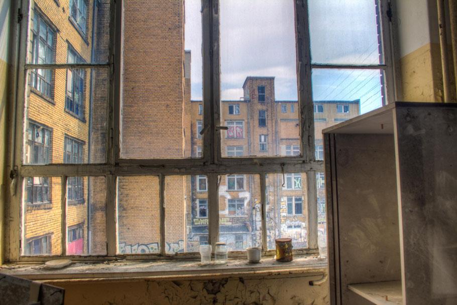 Blick aus dem Fenster auf die Fleischfabrik