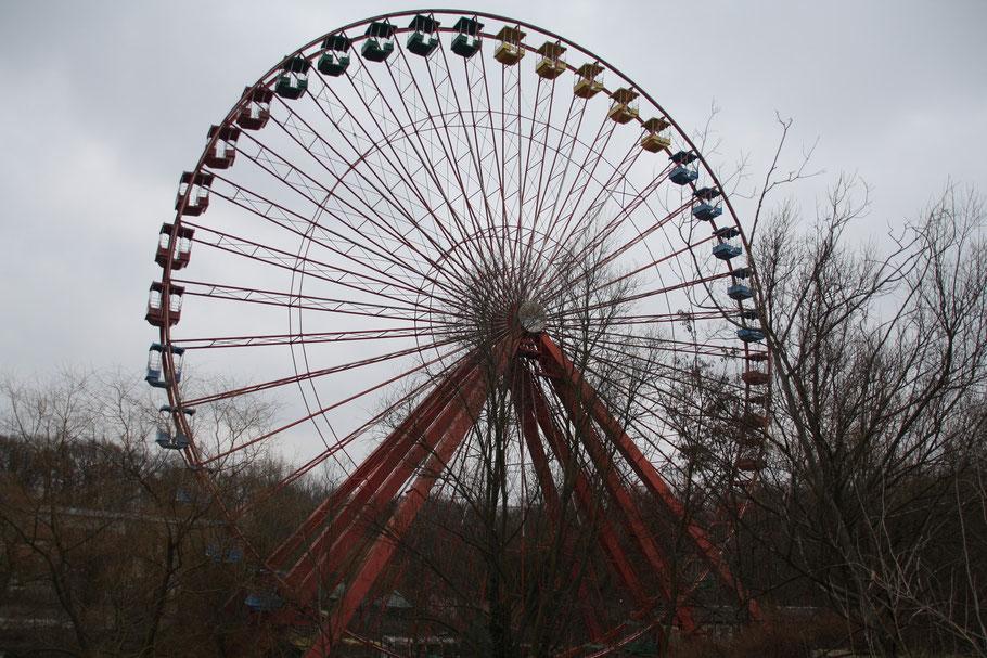 Das Riesenrad und Wahrzeichen des Parks
