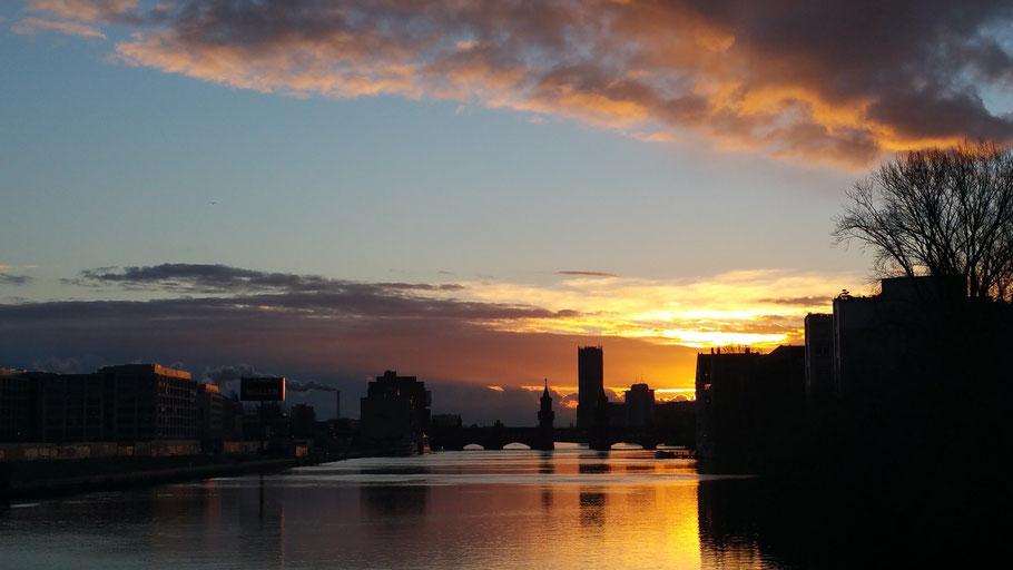 Sonnenaufgang über Berlin Treptow