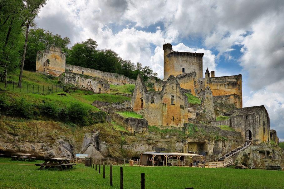 CHATEAU DE COMMARQUE - Activités au environs des locations de vacances Les Demeures des châteaux du Périgord Noir