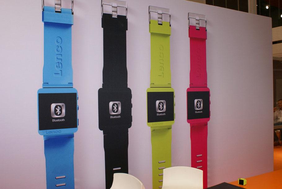 Auch die Eidgenossen der Firma Lenco bieten ein Sportswearable mit der MP3 Sportwatch 100 an und bewarben dies groß auf der IFA. Ursprünglich kommt die Marke aus dem HIFI - Markt.