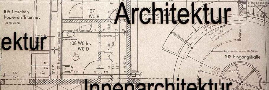 Immobilien verkaufen - Plan eines Grundrisses auf einer Hausfassade