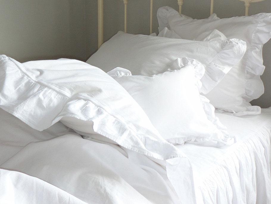 ベッドコーディネート ベッドリネン 白 フリル