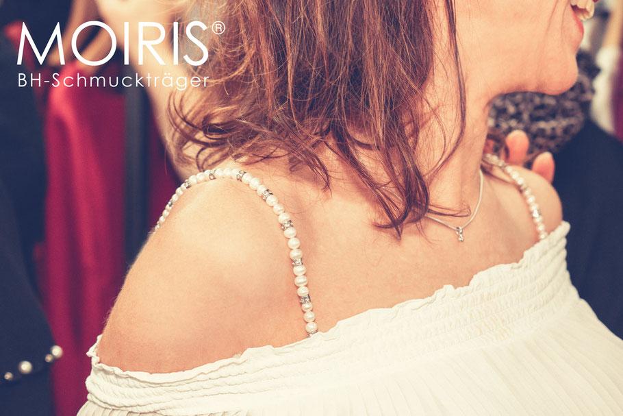 """BH-Schmuckträger """"Cara"""" - weiße Perlen und Strass für dein Hochzeitskleid"""