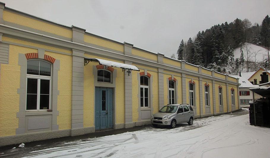 Eingang zum Empfang/Werkstatt in Steg