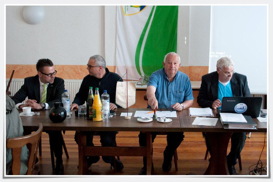 Vorstand mit Gast H. Sommer (klick zum Vergrößern)