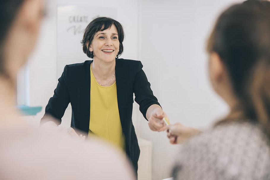Innovationskultur fördern - Mitarbeiter kreativ einbinden