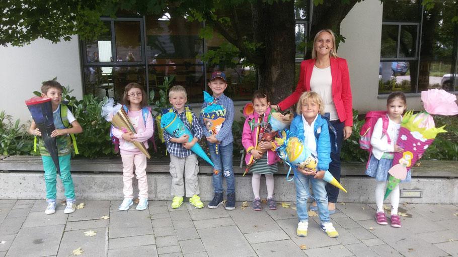 Unsere Schulanfänger mit Klassenlehrerin BEd Silvia Mann-Toifl