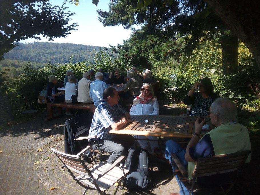 Mittagessen in Sehringen (Foto Archiv Halbedl)