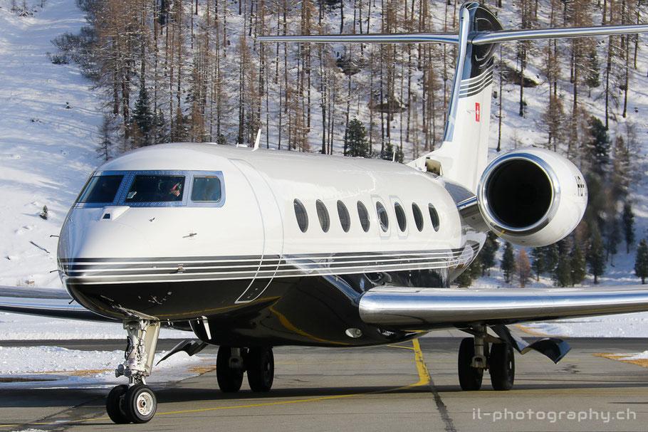 Die Gulfstream G650 HB-JUF der Swiss Jet kurz nach der Landung auf Europas höchstgelegenem Flughafen.