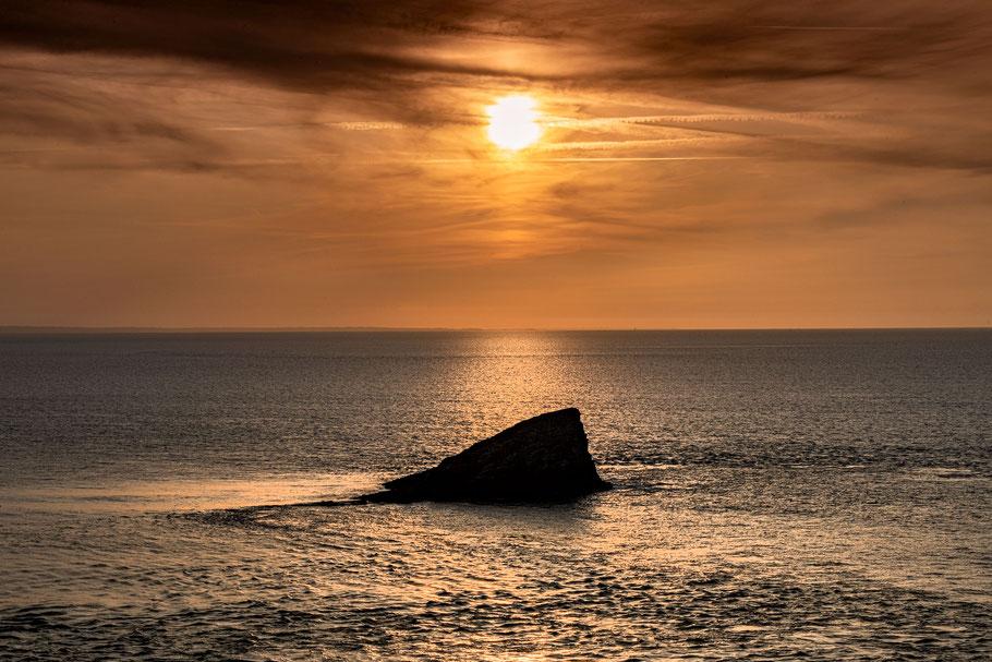 echte Entspannung bein einem Sonnenuntergang in der Bretagne